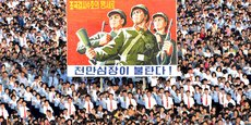 Le texte représente la neuvième résolution adoptée à l'unanimité par les quinze membres du Conseil de sécurité depuis 2006, en réaction au programme nucléaire et balistique de la Corée du Nord.