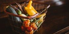 Les fruits et légumes ayant enregistré les plus fortes baisses sont l'abricot (-26%, à 3,02 euros), les pommes de terre (-22%, à 1,39 euro) et la courgette (-20%, à 1,53 euro).