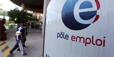 Malgré tous les plans de formation mis en oeuvre par les pouvoirs publics ou des acteurs comme Pôle emploi, le taux de chômage en France demeure élevé.