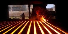 Ce nouveau sidérurgiste européen, qui ambitionne de devenir le dauphin du géant mondial ArcelorMittal, réalisera un chiffre d'affaires à périmètre comparable de 15 milliards d'euros et produira environ 21 millions de tonnes d'acier par an.