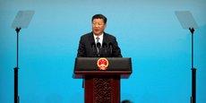 Nous devons oeuvrer en faveur d'une économie mondiale ouverte, promouvoir le libre-échange et faciliter les échanges de marchandises, a déclaré Xi devant un parterre de chefs d'entreprises et de représentants des BRICS, appelant les cinq pays à créer ensemble une nouvelle chaîne de valeur afin de rééquilibrer l'économie mondiale.