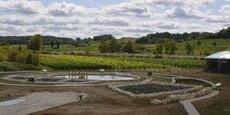 Au terme de leur descente, les eaux usées, une fois purifiées par les végétaux, finissent dans le bassin d'eau propre.
