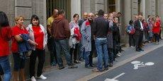 Une cinquantaine de salariés s'est déplacée au tribunal de commerce de Saint-Etienne, dans l'attente du délibéré.