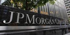 Le patron de JP Morgan, qui avait qualifié le Bitcoin d'arnaque, ne veut plus parler de la monnaie virtuelle. Sa directrice financière assure que la banque s'intéresse en fait de près aux monnaies digitales. Idem chez Citigroup.