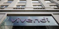 Vivendi risque aussi une amende d'au moins 300 millions d'euros liée à un possible défaut de communication lorsqu'il a grimpé au capital de Telecom Italia.