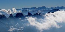 Selon le rapport annuel international du tourisme de neige, établi par le consultant suisse Laurent Vanat qui fait référence dans son domaine, la saison 2019-2020 est celle qui affiche le plus fort recul de fréquentation à l'échelle mondiale depuis une vingtaine d'années. Et une plus forte baisse serait encore à venir.