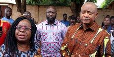 Brigitte Adjamagbo Johnson, présidente du CAP 2015, une coalition regroupant plusieurs partis dont l'Alliance nationale pour le changement (ANC) de Jean-Pierre Fabre (à droite premier plan), chef de file de l'opposition.