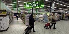 Les rayons bio des hypermarché séduisent de plus en plus de français, comme ici celui de Carrefour à Charenton.