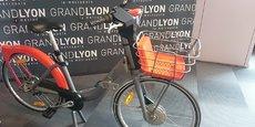 Le nouveau vélo'v sera mis en circulation à compter de l'été 2018. Mais pas de velo'v électrique en station : il faudra se rendre dans une boutique partenaire.