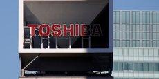 TOSHIBA: L'ATTENTE DU FEU VERT D'APPLE RETARDE LA VENTE DES PUCES