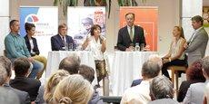 Carole Delga, présidente de Région, entourée d'Yvan Lachaud (Nîmes Métropole) et d'Alain Penchinat (Les Villégiales), explique le partenariat public-privé au coeur du projet