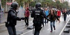 Les heurts se sont multipliés en Catalogne alors que la police tentait d'empêcher la tenue d'un référendum d'autodétermination jugé illégal par Madrid.