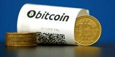 Le 1er septembre, le bitcoin avait frôlé la barre des 5.000 dollars, en s'affichant à 4.921,45 dollars, du jamais-vu, mais la décision de la Chine de resserrer son étau sur les cryptomonnaies a freiné cette marche en avant.