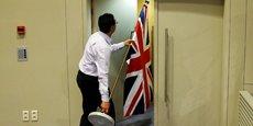 Il ne s'agit pas pour le Royaume-Uni, deuxième contributeur net au budget de l'UE avec 10 milliards d'euros par an environ, de rendre de l'argent. L'UE attend plutôt, à en croire les notes publiées, que le gouvernement britannique honore sa part du financement de tous les engagements pris en tant que membre de l'Union.