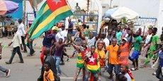Des manifestants de l'opposition le départ du président Faure Gnassigbé, le 7 septembre 2017 à Lomé, la capitale du Togo.
