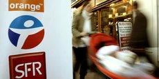 SFR, puis récemment Bouygues Telecom, ont lancé ces derniers mois une offre avec accès à plusieurs journaux et ce sans surcoût, tout en intégrant une TVA de 2,1%, le taux réduit appliqué à ce secteur, à une partie significative de leur abonnement global.