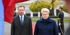 La présidente lituanienne Dalia Grybauskaitė et le Grand-Duc Henri du Luxembourg ont signé un accord de coopération sur l'énergie à Vilnius, le 26 octobre.