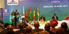Session extraordinaire de la Conférence des chefs d'Etat et de gouvernement de la zone UEMOA, dans la capitale économique de la Côte d'Ivoire, Abidjan, le 10 avril 2017.