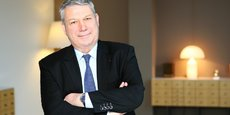 Dominique Lefebvre, le président de la Fédération nationale du Crédit Agricole, est l'un des trois signataires d'une tribune publiée dans Les Echos contre la taxe exceptionnelle de l'impôt sur les sociétés, intitulée Cessons de taxer l'investissement et l'emploi en France.