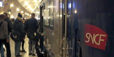 La panne informatique à l'origine d'une interruption du trafic en gare Montparnasse a été réparée dimanche soir, ouvrant la voie à un rétablissement de la circulation des trains  lundi matin, a-t-on appris auprès de la SNCF.