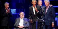 Jimmy Carter, George H.W. Bush, Barack Obama, George W. Bush et Bill Clinton, ici lors d'un concert pour lever des fonds à destination des victimes des ouragans dans les Caraïbes en octobre 2017, sont concernés par ce projet de loi.