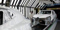 RENAULT: S&P RELÈVE SA NOTE DE CRÉDIT DE BBB- À BBB