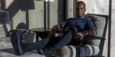 L'international ivoirien Didier Drogba, posant pour mettre en valeur l'un des modèles de sa nouvelle marque de chaussures (capture d'image de son site web).