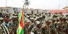 Un contingent de l'armée togolaise, au départ d'une mission de déploiement au Mali, le 17 janvier 2013, à Lomé la capitale du Togo.