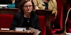 La ministre française chargée des Affaires européennes, Nathalie Loiseau s'est prononcée dimanche en faveur d'une prise en compte partielle de l'invalidation de la taxe dividendes dans le calcul à Bruxelles du déficit public en 2017, faute de quoi ce dernier pourrait dépasser le seuil des 3%.