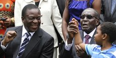D'ex-vice président craignant pour sa vie, Emmerson Mnangagwa devrait faire aujourd'hui son retour au Zimbabwe en tant que de président par intérim du pays