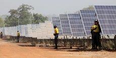 Le Kenya a une capacité de production d'énergie installée de 2 370 MW.