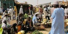 D'après les chiffres du Programme des Nations-Unies pour le développement, le taux  de la population vivant en dessous du seuil de pauvreté était estimé à 48,2% en 2011.