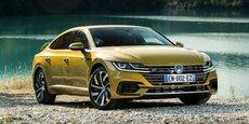 L'Arteon veut dépoussiérer la gamme des berlines de Volkswagen, mais son positionnement prix parait complexe face à Audi...