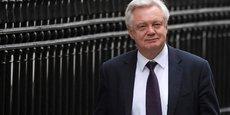 DAVIS: LONDRES EXCLUT LE RETOUR D'UNE FRONTIÈRE PHYSIQUE EN IRLANDE