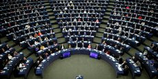 FEU VERT DU PARLEMENT EUROPÉEN À LA POURSUITE DU PLAN JUNCKER