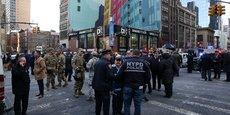 LA POLICE INCULPE LE SUSPECT PRÉSUMÉ DE L'ATTAQUE DE NEW YORK