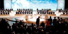 Les chefs d'Etat et de gouvernement et des personnalités internationales, lors de la séance plénière du «One Planet Summit», le 12 décembre 2017 à la Seine Musicale à Boulogne-Billancourt, près de Paris.