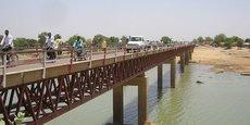 Le pont de N'Gueli qui marque la frontière entre le Cameroun et le Tchad, sur le fleuve Logone.