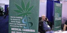 Le ministre va déployer des ressources pour lutter contre le cannabis médical. C'est soit de l'ignorance délibérée, soit de l'intimidation pour le seul profit des sociétés pharmaceutiques, dénonce la sénatrice démocrate de New York Kirsten Gillibrand.