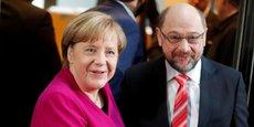 De gauche à droite, la chancelière allemande Angela Merkel et le leader socialiste (SPD) Martin Schulz.