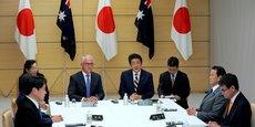 Le premier ministre australien Malcolm Turbull et son homologue japonais Shinzo Abe lors d'un sommet sur la sécurité nationale du Japon le 18 janvier dernier.