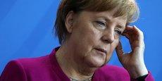 Malgré un bilan économique favorable, Angela Merkel doit faire de sérieux compromis aux démocrates pour former un gouvernement de coalition.