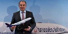Si Lufthansa décidait de faire disparaître la marque Brussels Airlines, elle agirait comme le font les compagnies américaines lorsqu'elles se rachètent entre elles, et font disparaître la marque jugée la moins forte. Cela signifierait que Lufthansa estime qu'une marque symbolisant l'identité belge de la compagnie est moins efficace en Belgique qu'une marque symbolisant le « low-cost ». (Photo : Carsten Spohr, CEO de Lufthansa le 15 décembre 2016)