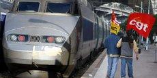 Le régime de la SNCF est un régime spécial d'entreprise. Mis en place en 1909, il concerne 150.000 agents environ. Régime dérogatoire, il permet aux cheminots d'obtenir une pension dont le montant est calculé de la même manière que celle des fonctionnaires, en faisant la moyenne du salaire perçu lors des six derniers mois d'activité avec un taux de pension de 75 %.