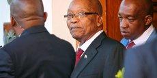 En 2016, la banque VBS avait accordé au président Jacob Zuma (au centre de la photo) un prêt de 7,8 millions de rands (soit 460.000 euros), qui devait servir à rembourser à l'État une partie des fonds ayant permis la rénovation de sa résidence privée.