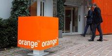 En France, son principal marché, l'opérateur revendique 826.000 nouveaux abonnés mobiles sur l'année et assure avoir recruté ces clients auprès de ses trois principaux concurrents, ce qui porte le nombre total de clients à 28,82 millions au 31 décembre.