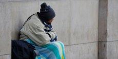 En comptant les personnes qui sont hébergées dans le cadre du plan hiver, on arrive à presque 5.000 personnes à la rue à Paris sans solution durable.