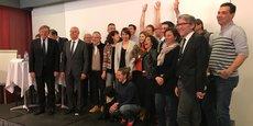 Les dix start-ups lauréates réunies autour des partenaires de l'Open Tourisme Lab.