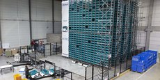 Au cœur de l'entrepôt CDiscount à Bordeaux, une armada de petits robots mobiles se déplacent de façon autonome grâce à une navigation laser. Capables de porter jusqu'à 30 kilos, ils peuvent se hisser jusqu'à 10 mètres de haut. Ils apportent même les marchandises jusqu'au poste de travail de l'opérateur... Derrière cette innovation disruptive, une start-up lilloise, Exotec Solutions.