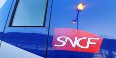 Le projet de loi comprend huit articles, énumérant sur quatre pages les points à réformer. L'article 1 autorise le gouvernement à modifier les missions, l'organisation, la gouvernance et la forme juridique de la SNCF sans toutefois remettre en question son caractère public.
